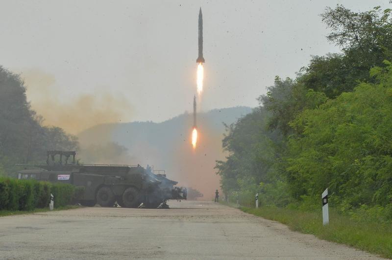 Tập trận bằng tên lửa đạn đạo của Bắc Triều Tiên. Ảnh do KCNA cung cấp ngày 06/09/2016.