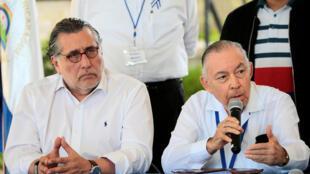 El jefe de la delegación opositora, el exdiplomático Carlos Tünnerman, habla en una conferencia de prensa en Managua, Nicaragua el 1 de abril de 2019.