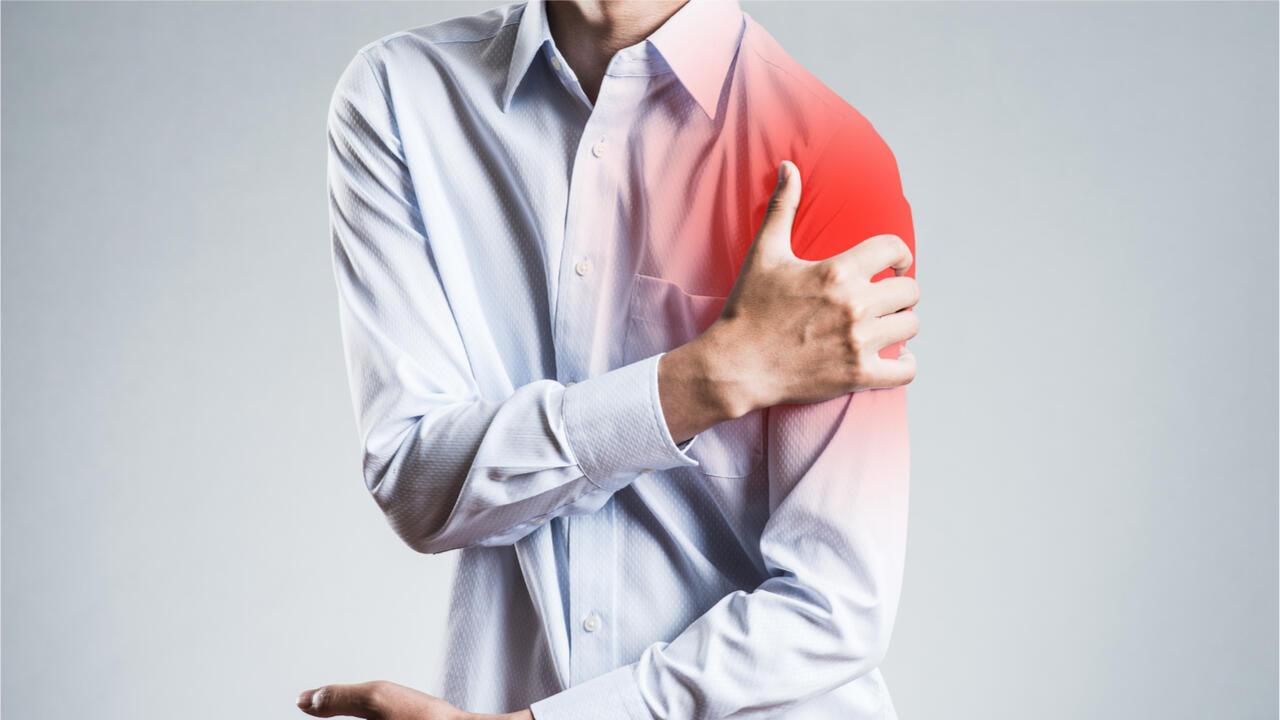 illustration luxation mal à l'épaule douleur