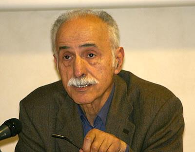عبدالکریم لاهیجی، حقوقدان و فعال حقوق بشر، در پاریس