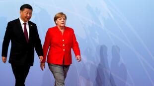 Angela Merkel a construit au cours des douze dernières années une relation solide avec la Chine. Ici, avec le président Xi Jinping lors du G20 à Hambourg, le 7 juillet 2017.