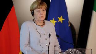 德國總理默克爾8月31日在與意大利總理聯合舉行的新聞發布會上