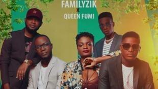 Le groupe béninois Familyzik et Queen Fumi.