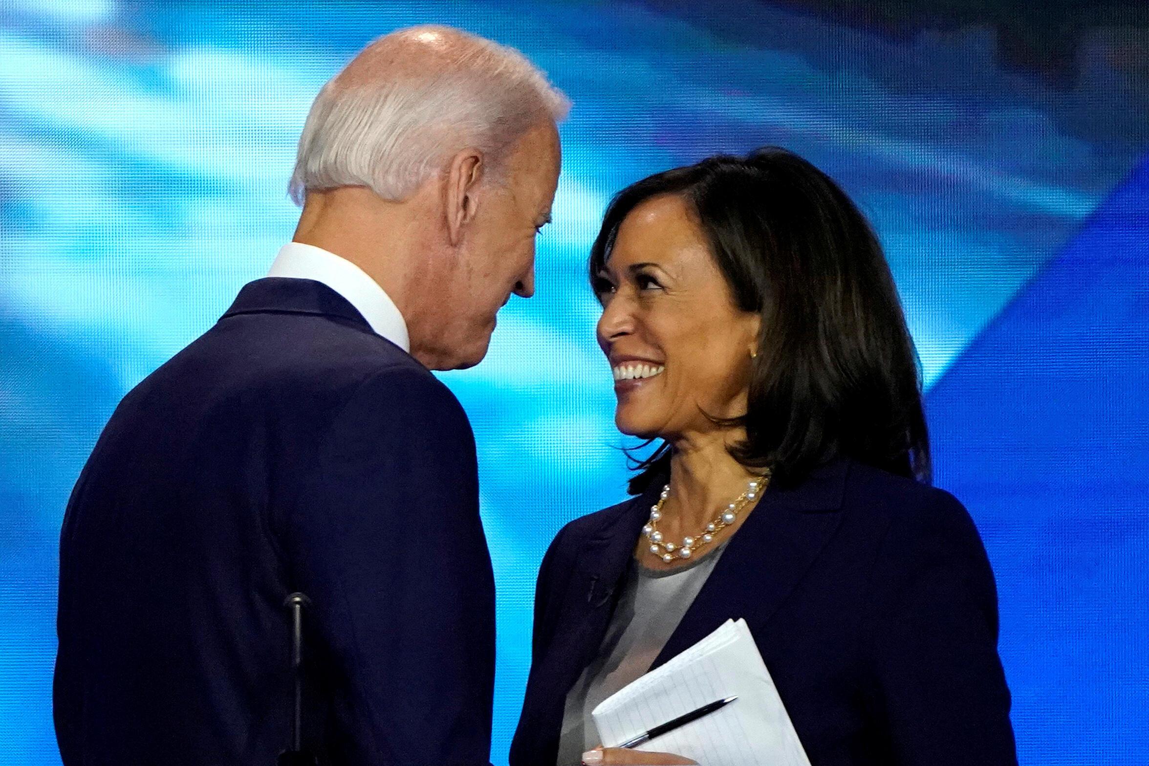 Joe Biden, amemteua Kamala Harris kuwa mgommbea mwenza kupeperusha bendera ya chama cha Democratic.