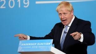 Boris Johnson, candidato a líder do Partido Conservador Britânico, fala durante um evento de hustings em Belfast, Irlanda do Norte, 2 de julho de 2019.