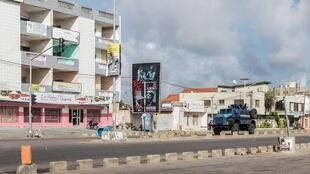 Une patrouille de police dans les rues de Cadjéhoun, Cotonou, Bénin (image d'illustration, 2019).
