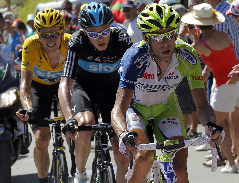 Vincenzo Nibali a bien tenter d'attaquer Bradley Wiggins, mais en vain, le 18 juillet 2012.