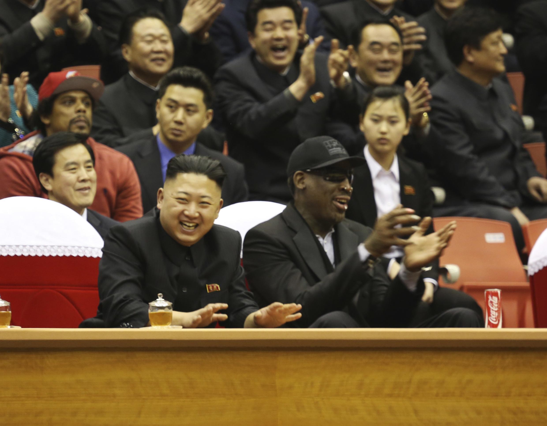 Kim Jong Un và cựu vô địch bóng rổ Mỹ Dennis Rodman.