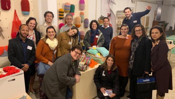 Delegação brasileira da SBGG durante visita ao projeto A Avó Veio Trabalhar, em Portugal.