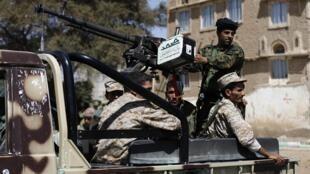 Les rebelles houthis dans Sanaa, la capitale, le 10 février 2015.