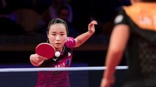 圖為日本乒乓球女選手伊藤美誠揮拍