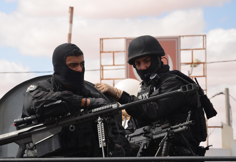 Lực lượng đặc biệt Tunisia tuần tra ở  Ben Guerdane, thành phố gần biên giới Libya, ngày 07/03/ 2016.
