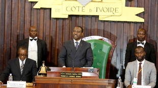 Guillaume Soro délivre son discours après sa réélection à l'Assemblée nationale ivoirienne, le 9 janvier 2017.