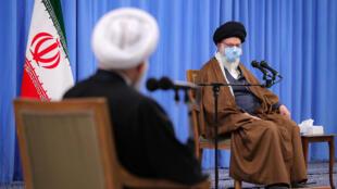 خامنهای در دیدار با سران سه قوه در نشست شورای عالی هماهنگی اقتصادی کشور.