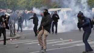 Maioria dos confrontos entre manifestantes e policiais ocorreram  no final dos protestos.