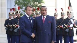 Emmanuel Macron akimpokea Denis Sassou-Nguesso Élysée Septemba 3, 2019.