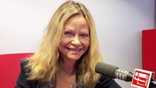 La romancière américaine Joyce Maynard en studio.