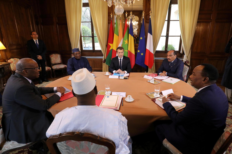 رهبران فرانسه و پنج کشور منطقۀ ساحل آفریقا در نشست پاریس