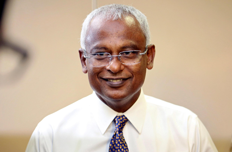 Candidato da oposição na eleição presidencial das Ilhas Maldivas, Ibrahim Mohamed Solih, conversa com a imprensa após conquistar maioria dos votos, 23 de setembro 2018