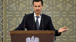 Rais wa Syria Bashar al-Assad wakati wa mkutano na viongozi wa waliochaguliwa kutoka mikoa yote ya Syria, damascus, Jumapili hii, Februari 17, 2019.