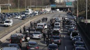Забастовка парижских таксистов 10/02/2014