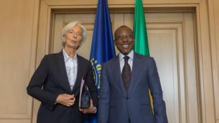 Christine Lagarde, directrice générale du FMI, aux côtés du président béninois Patrice Talon, le 11 décembre 2017 à Cotonou.