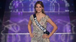 A Miss Provença, April Benayoum, foi alvo de comentários racistas no fim de semana depois que afirmou ser filha de um israelo-italiano.