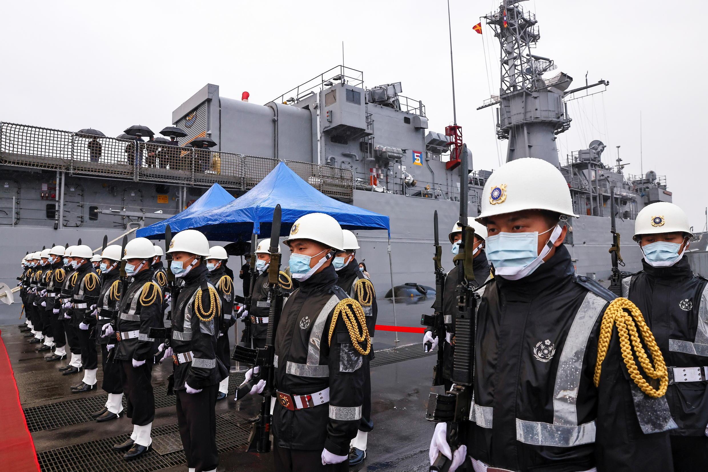 Hải quân Đài Loan trên tàu chiến FFG-935, tại cảng Cơ Long (Keelung), Đài Loan, ngày 08/03/2021.