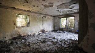 Photo prise le 13 septembre à l'intérieur du consulat américain à Benghazi, ravagé par les flammes après l'attaque du 11 septembre 2012.