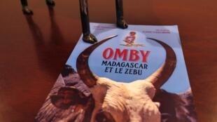 L'affiche du film documentaire «Omby Madagascar et le zébu».