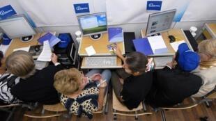Le texte de l'ordonnance publiée au JO ce vendredi 26 août prévoit la mise en place d'un médiateur impartial pour tout fournisseur d'accès internet.