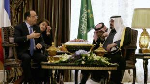 L'entretien entre le président français François Hollande et roi Abdallah d'Arabie saoudite s'est déroulé au palais privé de Rawdat Khurayim, à 60 km de Riyad.