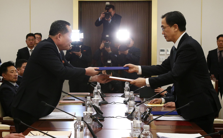 朝鮮與韓國代表在板門店舉行會晤 2018年1月9日