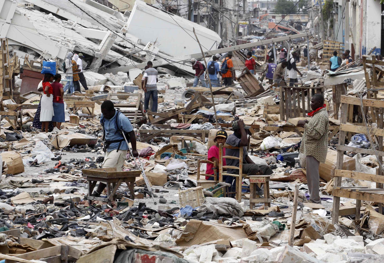 Les rues de Port-au-Prince après le séisme qui a touché le pays, le 7 janvier 2010.