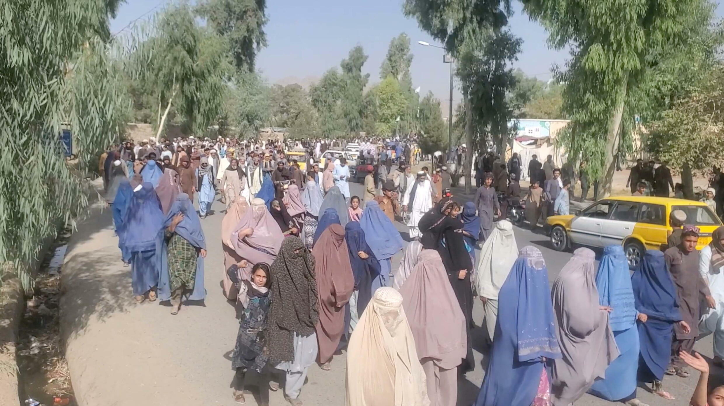 2021-09-14T093645Z_755024059_RC2LPP91YWYA_RTRMADP_3_AFGHANISTAN-CONFLICT-KANDAHAR-PROTESTS