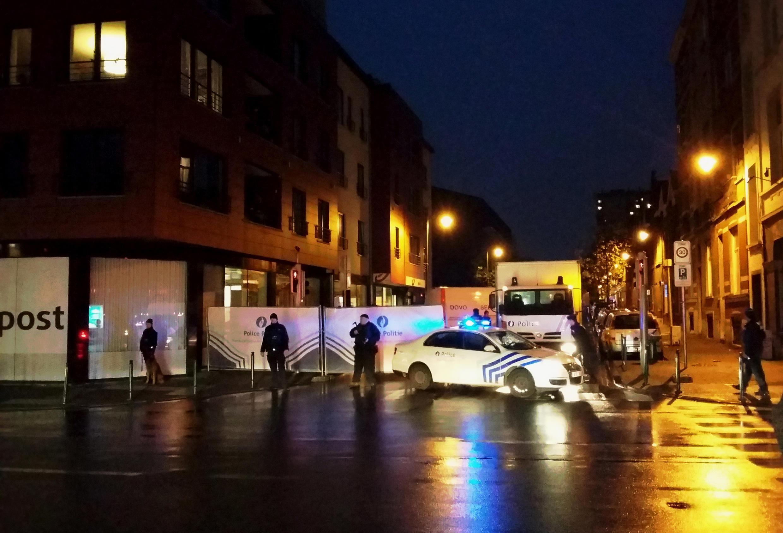 Cảnh sát Bỉ phong tỏa đường phố Bruxelles, trong đợt câu lưu các nghi can hôm 14/11/2015 - H. DEVRIENDT / AFP