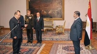 El 22 de noviembre Mursi recibió al nuevo procurador general tras echar a su predecesor.