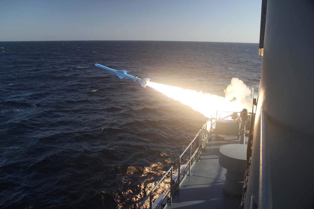 آزمایش موشکهای کوتاهبرد ایران، در قایقهای جنگی در خلیج فارس