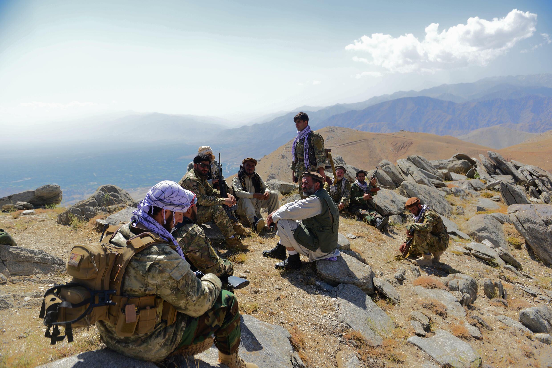 Miembros del movimiento de resistencia afgano, el 1 de septiembre de 2021 en la zona de Darband en la provincia del Panshir