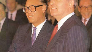 1989年五月,赵紫阳在六四前夕接待来访的苏共总书记戈尔巴乔夫。