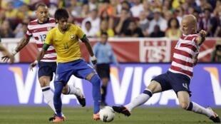 O atacante brasileiro Neymar foi uma das estrelas do amistoso contra os Estados Unidos, que perderam em casa.