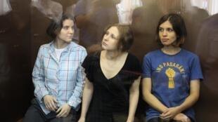 Pussy Riot в зале суда 17/08/2012