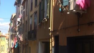 Le quartier gitan de Perpignan dans les Pyrénées-orientales.
