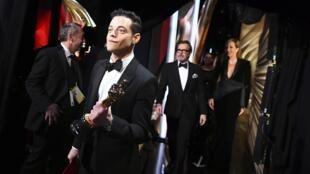 «Оскар» за лучшую мужскую роль вручили Рами Малеку, сыгравшему в «Богемской рапсодии» Фредди Меркьюри
