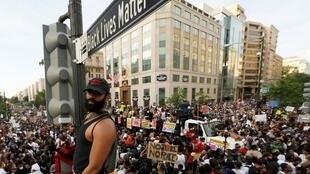 Le panneau «Black Lives Matter Plaza», à Washington.