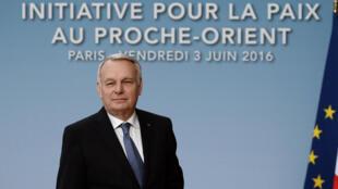 Le chef de la diplomatie française Jean-Marc Ayrault, lors de  la réunion internationale sur le Proche-Orient à Paris, le 3 juin 2016.