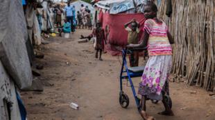 Un camp à Juba qui a ouvert ses portes en 2014, peu après le déclenchement de la guerre civile dans le pays. pays. Environ 7000 personnes d'origines ethniques diverses vivent dans le camp, dont plus de 200 vivent avec un handicap.