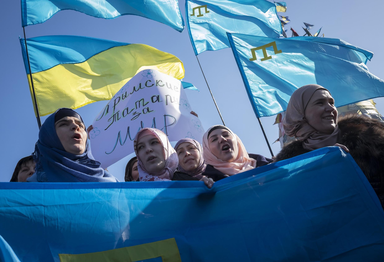 Manifestants tatars, lors d'un rassemblement à Kiev.