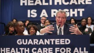 O prefeito de Nova York, Bill de Blasio, durante coletiva no Hospital Lincoln, Bronx, em Nova York. 08/01/19.
