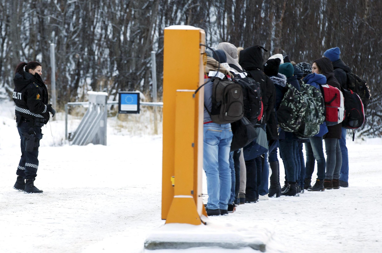 Refugiados na fronteira da Noruega com a Rússia
